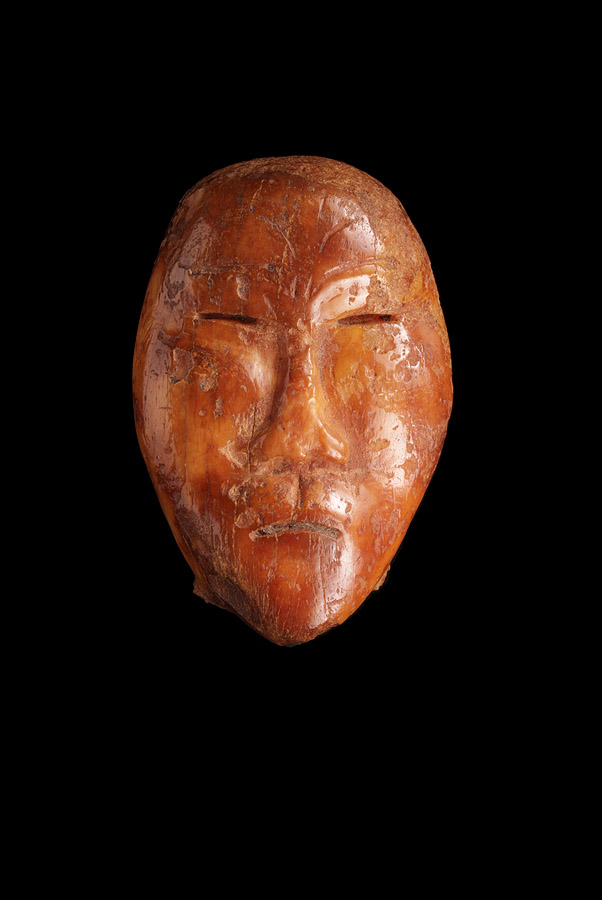 Punuk or Thule Anthropomorphic Doll's Head